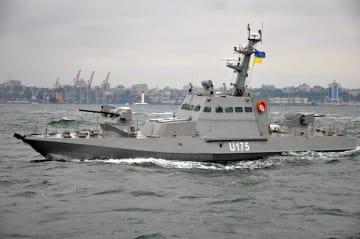 ウクライナ軍の小型艦船=2016年6月撮影(ロイター=共同)
