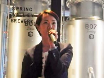 島村宏子社長。溌剌としたイメージで、デニムの似合う素敵な女性です