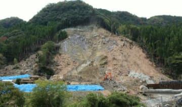住民6人が犠牲になった中津市耶馬渓町金吉の山崩れ現場=10月