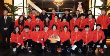 熊本入りした中国代表の選手たち=熊本市中央区のホテル