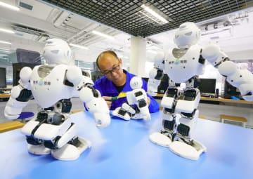 ロボット産業チェーン構築、経済の構造転換·発展を推進 河北省唐山