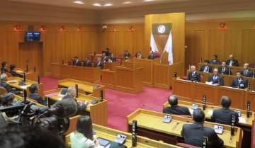 「丹波篠山市」に市名変更する条例が可決、成立した兵庫県篠山市議会=27日正午ごろ