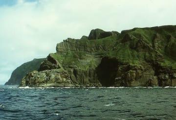 北方四島のひとつである色丹島(「Wikipedia」より)