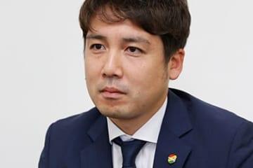 インタビューに応じるジェフ千葉・高橋悠太GM