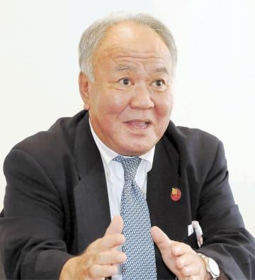 [たけなか・まさひこ]1954年生まれ。和歌山・桐蔭高で軟式野球部、成城大で硬式野球部に所属。卒業後は和歌山県内で高校教諭を務め、同県高野連理事長を経て、2013年から日本高野連事務局長。和歌山市出身。