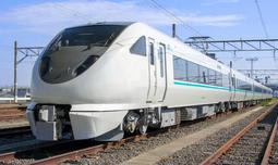 JR西日本が通勤特急「らくラクはりま」として使う289系車両(同社提供)