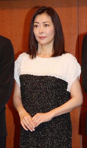 連続ドラマ「黄昏流星群~人生折り返し、恋をした~」に出演している中山美穂さん