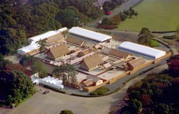 皇居・東御苑に設営された大嘗宮=1990年11月