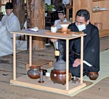 北野天満宮で開かれた献茶祭