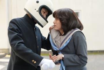 連続ドラマ「今日から俺は!!」第8話の一場面=日本テレビ提供