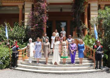 彭麗媛夫人、G20首脳配偶者の行事に出席