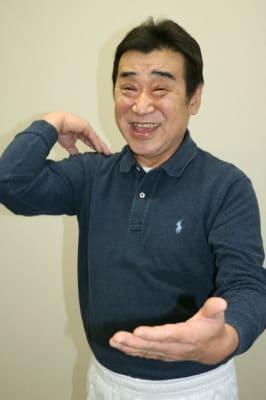 健康体操を教えている西尾恵吾さんの活動が35年を迎えた。「元気な限り、今後も続けたい」=別府市