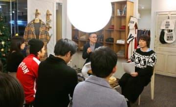 古町地区の経営者と若者が今後の町の在り方を語ったトークライブ=2日、新潟市中央区