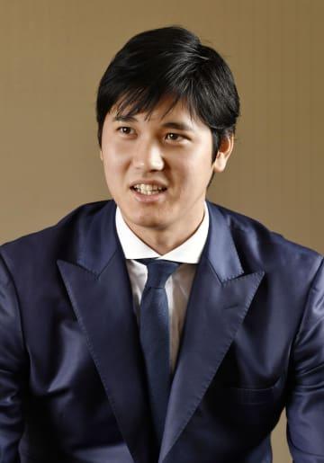 インタビューに答える米大リーグ、エンゼルスの大谷翔平選手