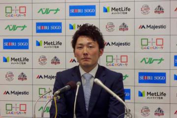 契約更改に臨んだ西武・源田壮亮【写真:上岡真里江】