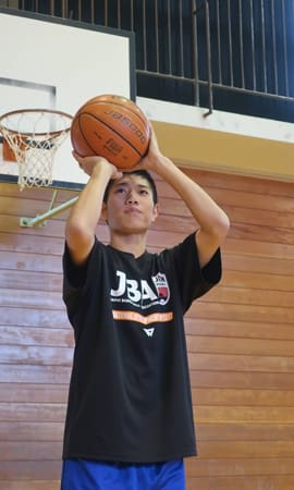 バスケットボール男子U16の日本代表選手に選ばれた大西さん(亀岡市篠町・詳徳中)