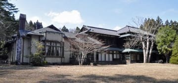 六戸町有形文化財の旧渋沢邸(2014年撮影)。移築先が東京都江東区と判明した