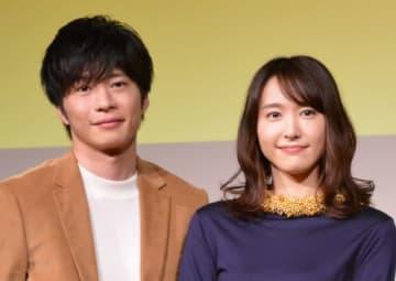 田中圭&新垣結衣(写真は10月撮影)