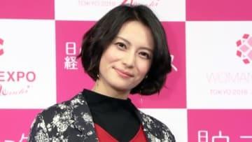 「WOMAN EXPO TOKYO 2018 Winter」のステージイベントに登場した柴咲コウさん