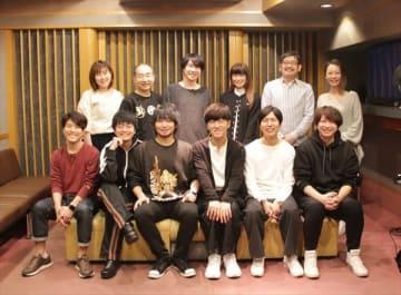 劇場版『えいがのおそ松さん』オフィシャル集合写真(C)赤塚不二夫/えいがのおそ松さん製作委員会 2019