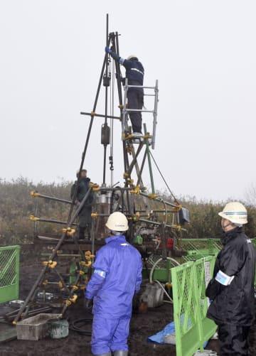 陸上自衛隊むつみ演習場で着手されたボーリング調査=6日午後、山口県萩市
