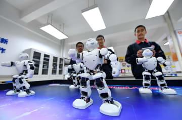 科学技術サークルで生徒のイノベーション力向上 河北省石家荘