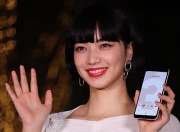 クリスマスツリーイルミネーション「Google Pixel presents 表参道イルミネーション 2018」点灯式に登場した小松菜奈さん