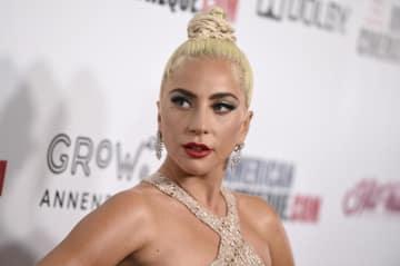 「ゴールデン・グローブ賞」で主演女優賞候補に選ばれた人気歌手レディー・ガガさん=11月、米カリフォルニア州ビバリーヒルズ(AP=共同)