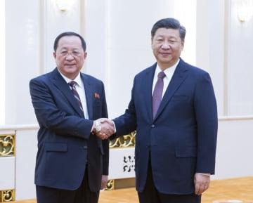 習近平主席、朝鮮の李勇浩外相と会見