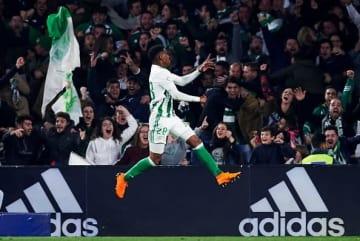 レアル・ベティスでプレイするジュニオール・フィルポ photo/Getty Images