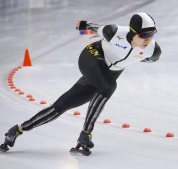 女子1500メートルで優勝した高木美帆=トマショフマゾウィエツキ(共同)