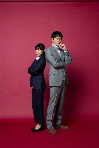 2019年1月スタートの連続ドラマ「刑事ゼロ」に出演する瀧本美織さん(左)と沢村一樹さん=テレビ朝日提供