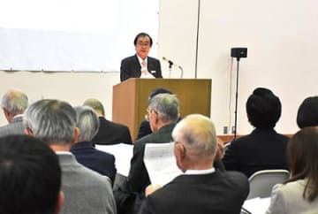 長谷川コレクションの成り立ち興味深く 山形美術館で記念講演会