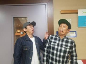 有吉弘行(左)、安田和博