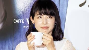「カフェ・ベローチェ『ホワイトフェア』開催記念PRイベント」に登場した平井理央さん