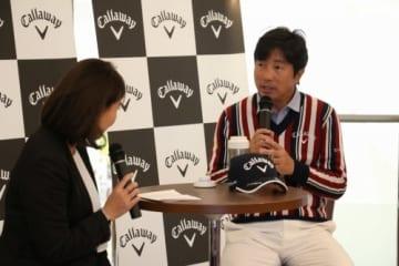 トークショーで石川遼や小平智について話した深堀圭一郎(撮影:ALBA)