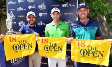 シュワーツェル(右)ら3人が全英オープンの切符を手にした(R&A提供)