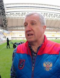 ノエビアスタジアム神戸の視察を終え、印象を語るロシア代表のリン・ジョーンズ・ヘッドコーチ