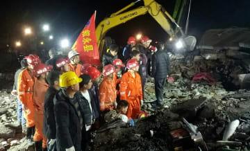 四川省叙永県の山崩れで8人救助 うち3人死亡