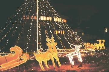 クリスマスツリーやトナカイが輝くイルミネーション