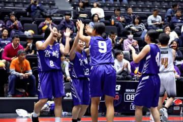 抜群のチームワークで準優勝に輝いた女子本県代表
