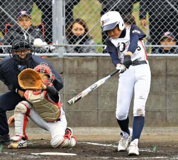 【Aクラス決勝・大塚-門川】4回裏大塚1死三塁、日高が右越えに適時三塁打を放ち、1-1の同点とする