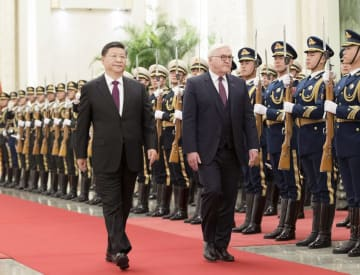 習近平主席、独大統領と会談 自由貿易擁護を確認