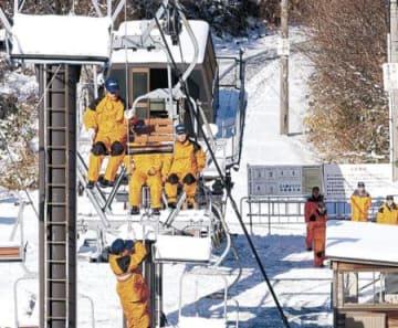 スキー場、備え万全 金沢・医王山で救助訓練