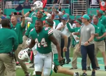 Dolphins beat Patriots 34-33 after 'Miracle in Miami'