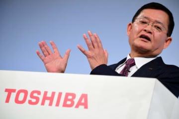 5カ年の中期経営計画を発表する東芝・車谷暢昭・会長兼CEO(写真:AFP/アフロ)