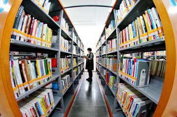 放置ビルが図書館に変身 市民の読書活動を推進 河北省張家口