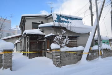 6月12日に菊地のり子さんが遺体で発見された自宅=10日、青森市旭町
