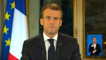 仏大統領、最低賃金引き上げへ 事態収拾なるか不透明