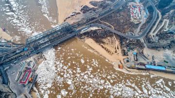 黄河に流氷出現 山西省河津市